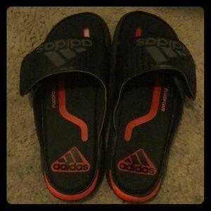 Adidas fluidfoam slides